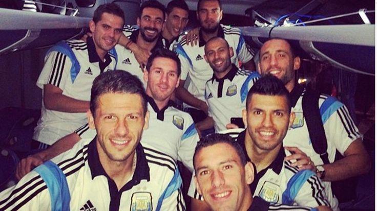 La Selección llegó a Brasilia y ya piensa en Bélgica.  El equipo que conduce Alejandro Sabella quedó alojado en el Hotel Royal Tulip Alvorada de la capital brasileña, a la espera del duelo del próximo sábado frente a los Diablos Rojos. http://mundial.popular.tv/noticias/715-la-seleccion-llego-a-brasilia-y-ya-piensa-en-belgica