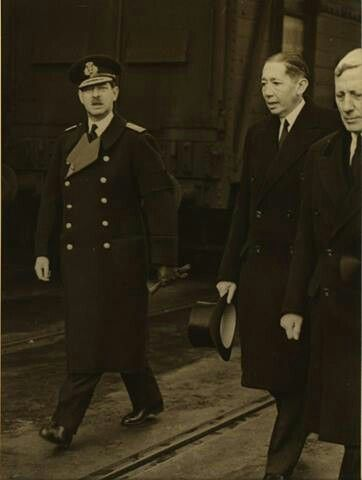 King Carol II in England to participate in the funeral of King George V.