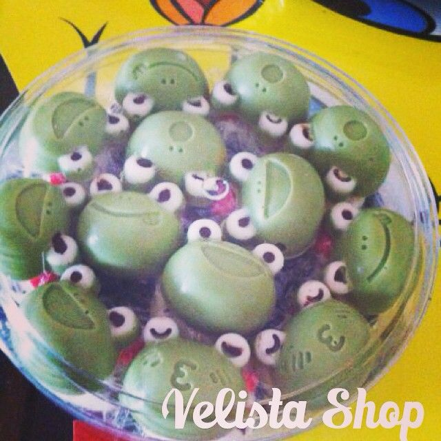 CHOCOLATE CHARACTER KEROPI Homemade murah First Day First Serve  Isi : 250 gram / toples Harga : 45.000 Rupiah  Isi Selai Buah, Kacang Mede / Almond, Kismis, Cery + 5rb / Toples  Order via : Line : vellyrinjani BBM : 2904D200 Whatsup / sms : 081283809095