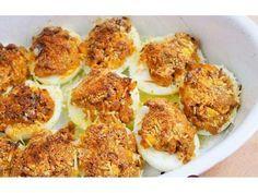 Huevos rellenos de carnes.