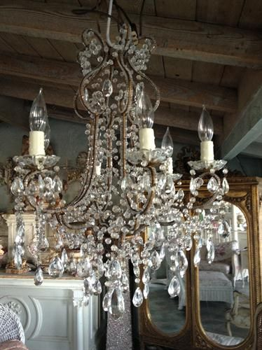 Italian chandelier ...,if only I had a place for this... So elegant !!!!! Love love pretty stuff