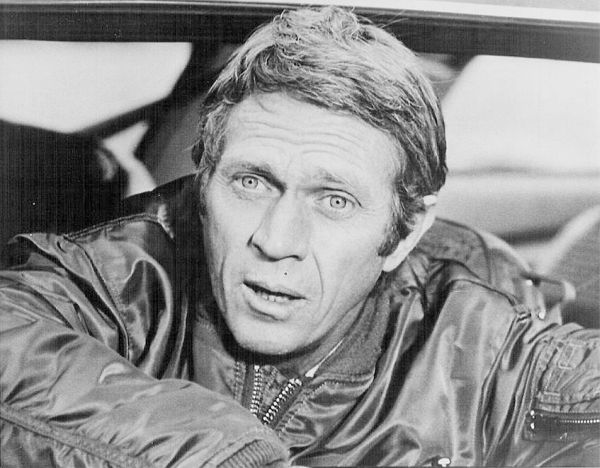 4308 best steve mcqueen images on pinterest mc queen classic hollywood and actor steve mcqueen. Black Bedroom Furniture Sets. Home Design Ideas