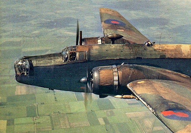 Aircraft of the R.A.F. and S.A.A.F. during World War II (32)