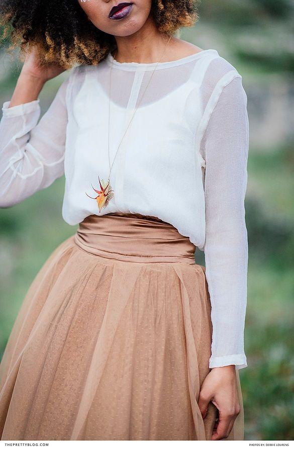 Tan layered skirt with white mesh top and floral accents | Photography: Debbie Lourens | Hair & Make-up: Makeup and Delight | Bridal Couture: Stefania Morland | Floral decor: Green Goddess Flower Studio |