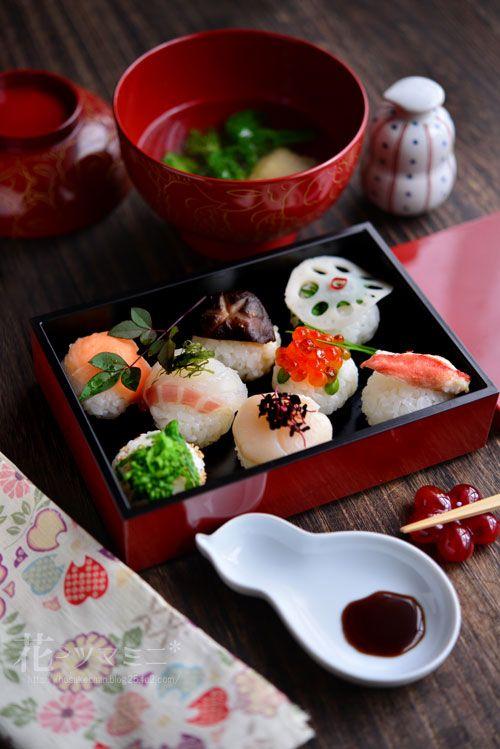 手毬のお寿司 - Sushi ball