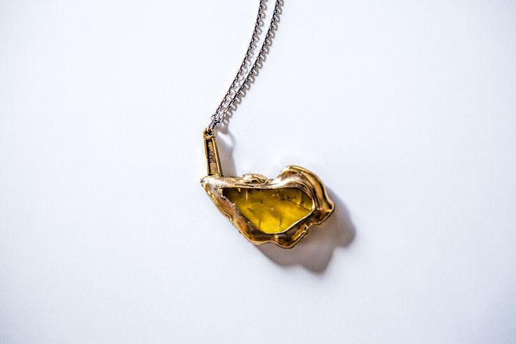 Amber pendant. Design by Mineral Weather  for russian-amber.ru  Подвеска с янтарем. Автор: Mineral Weather для russian-amber.ru