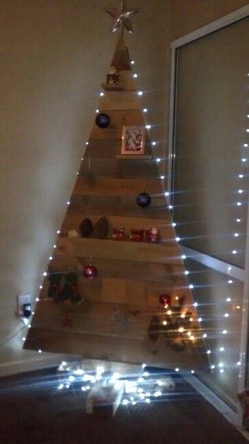 Lights pallet tree