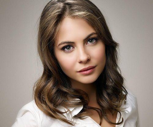 Willa Holland Wiki, Bio, Net Worth, Height, Measurement, Age, Car, Assets, Boyfriend/Spouse