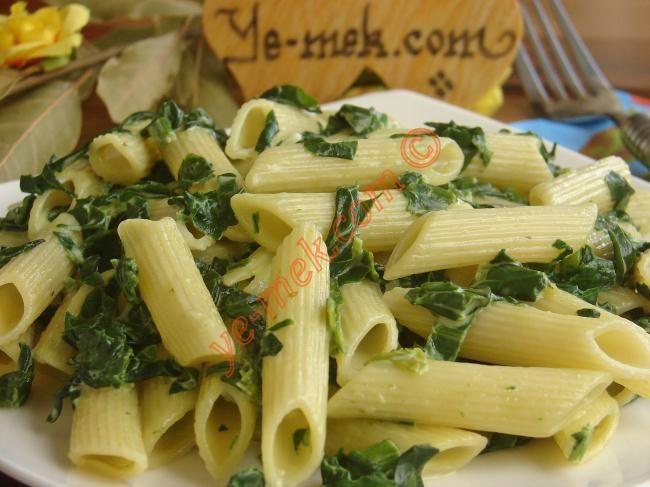 Kremalı Ispanaklı Makarna Resimli Tarifi - Yemek Tarifleri