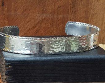 Sterling zilveren armband hand gegraveerd door CamancheMesaDesigns