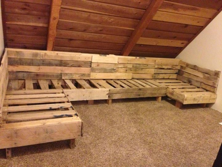 Pallet section for living room. Probably make it to fit 2 twin beds.