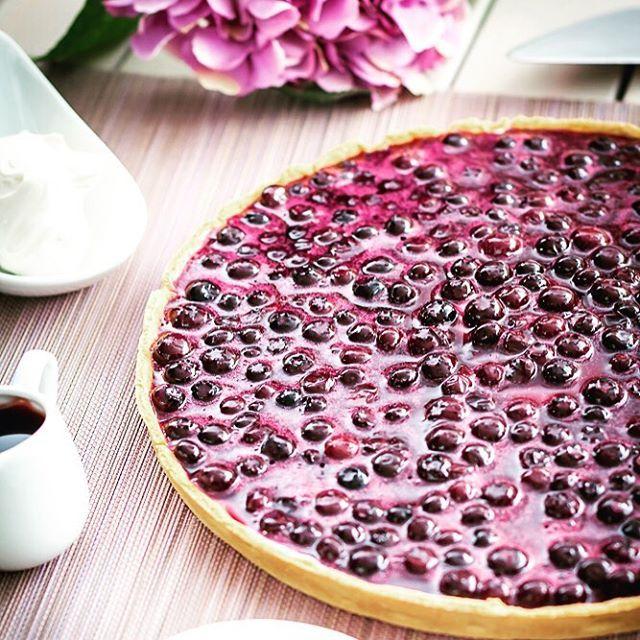 Tarte à la myrtille façon cheese-cake ❤️ http://www.sucredorgeetpaindepices.fr/recettes/tarte-a-la-myrtille-facon-cheese-cake/