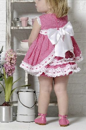 ROPA INFANTIL ARTESANAL COLECCION CARMEN TEBERNER via www.modainfanti.blogspot.com