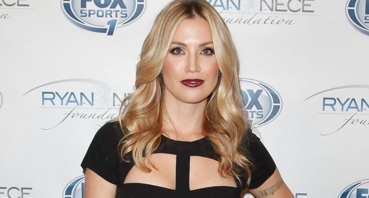 One-Hit Wonder Willa Ford Blames September 11 Attacks for Her Music Career Fizzling Out | No, she was another Brittney Spears Wannabes.