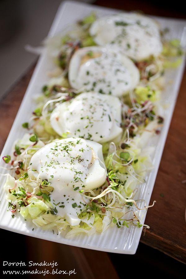 Jajka w sosie czosnkowym