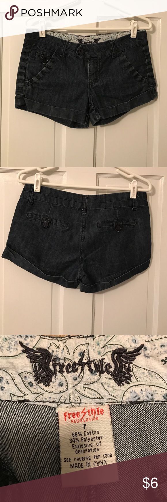 "Juniors shorts Soft denim shorts size 7 juniors.  2"" inseam. Freestyle Shorts"