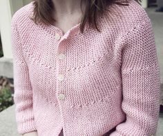 Free Pattern. The cardigan is knit all in one piece, from the left side to the right, with almost no seaming (I love that!). The yoke and body are shaped with uncomplicated short rows, and the garter stitch throughout keeps the design simple but sophisticated. Corinne cardigan : Knitty Spring+Summer 2011.