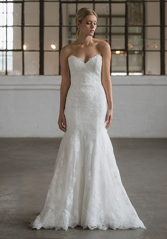 Classic lace wedding dress with illusion lace back | Lis Simon | http://trib.al/tfAYs2l