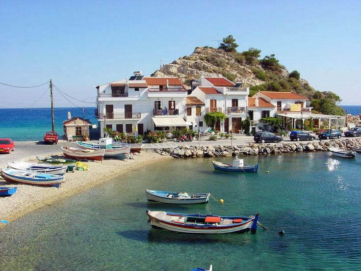 Visit picturesque mountain and fishing villages! Samos Island is a destination wich has preserved a traditional asthaetic in its architecture. #samos #kokkari #village #greece
