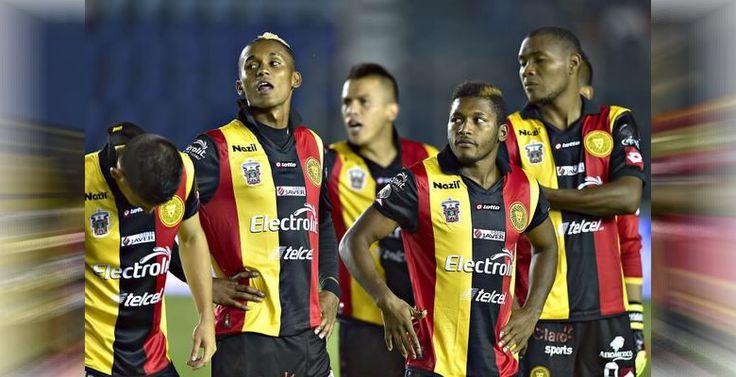 Leones Negros de UDG, el equipo que descendió en el Clausura 2015 - http://webadictos.com/2015/05/09/leones-negros-udg-descendio-clausura-2015/?utm_source=PN&utm_medium=Pinterest&utm_campaign=PN%2Bposts