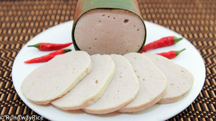 Steamed Pork Roll also called Vietnamese Ham | recipe from runawayrice.com