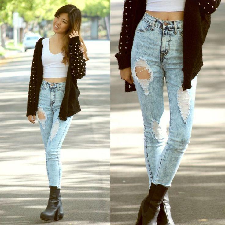 crop-top-tendance-débardeur-court-blanc-jeans-déchirés