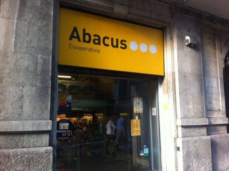 Papereria Abacus a Barcelona. L'àbac era l'instrument que feien servir els nens romans per a comptar.