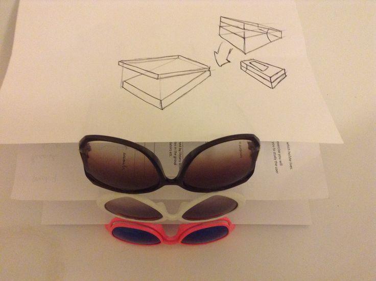 Sunglasses paper stand