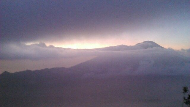 6:20 tanpa sunrise. Gunung batur, BALI