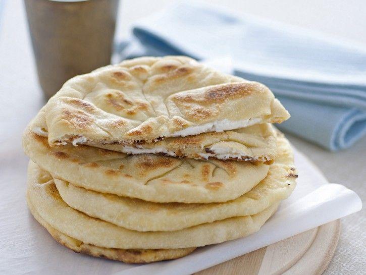 pane-naan-al-formaggio immagine