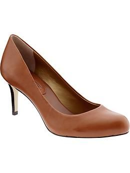 """Round toe, camel leather, 2 3/4"""" heel. Just bought these for work: I'm thinking they'll be dark enough for winter, perfect for fall and maybe even light enough for summer at the office. We'll see..."""