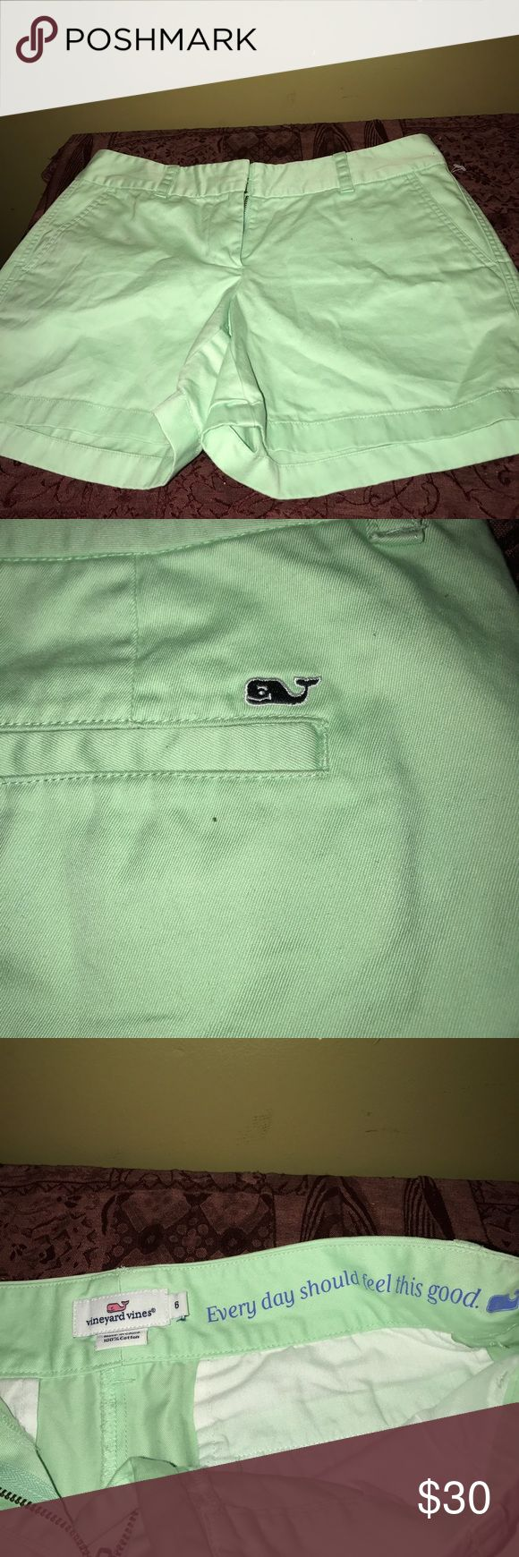 Vineyard Vines women chino shorts size 6 Vineyard vines women chino lime green shorts size 6 100% cotton small stain shown in picture Vineyard Vines Shorts