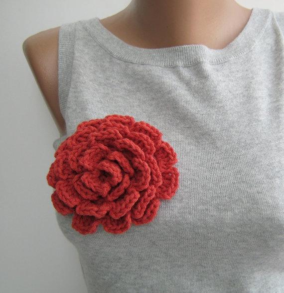 Dark orange crochet flower brooch by Aegean Blossom