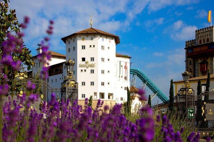 Mediterranes Klosterfeeling mit Blick auf den Europa-Park ...