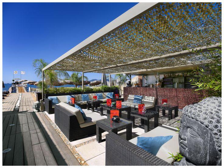 Restaurant de la plage privée du Grand Hôtel de Cannes. #private #beach #riviera #sea #holiday