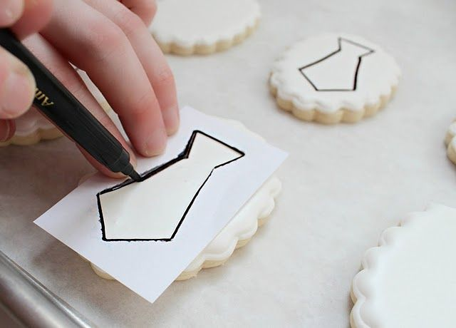 Making paper cookie stencils