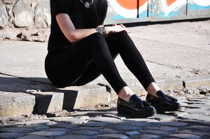 #lapetiteduchesse #style #fashion #black #texture #mocassin #mango #topshop #jewelry #platform #shoes