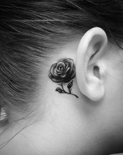 Esta pequena rosa atrás da orelha                                                                                                                                                                                 Mais