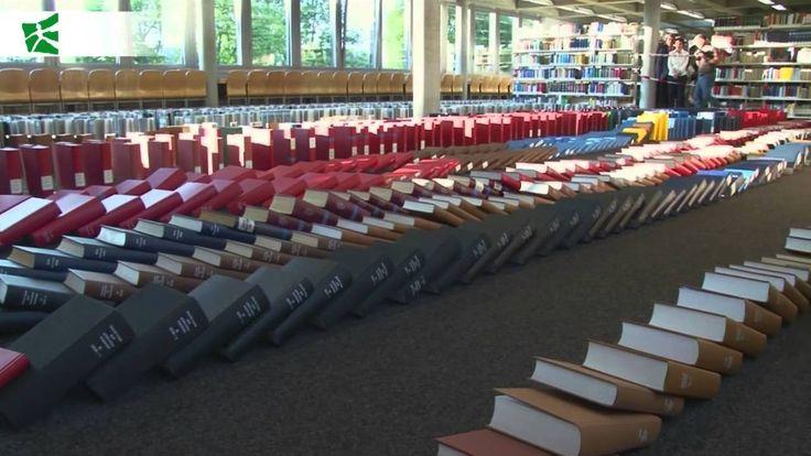 Watch how we beat the book domino record with 5337 books. // So haben wir den Weltrekord im Buchdomino mit 5337 Büchern geholt. #buchdomnio #bookdomino #worldrecord #Weltrekord #bücher #bibliothek #library #hsg #UniStGallen