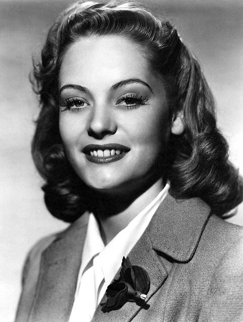 Alexis Smith, TV, film and stage actor, Tony award winner, rmarried to actor Craig Stevens (Gentleman Jim, Dive Bomber) 1921-93