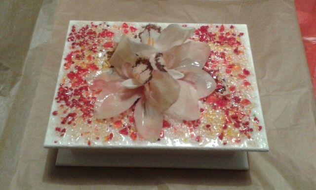 Cofanetto con vetrina di murano e orchidee