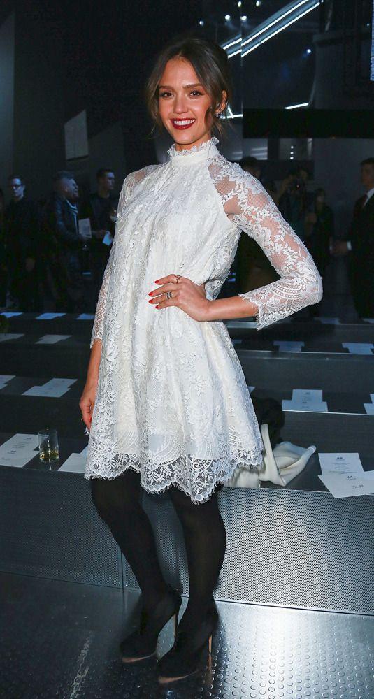 Jessica Alba au premier rang du défilé H&M automne/hiver 2014
