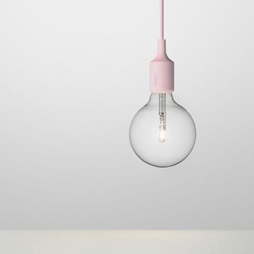 E27 lichtroze lamp van Muuto