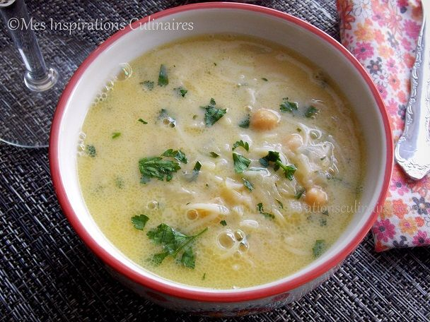 chorba beida (soupe algeroise sauce blanche) variante de la recette : http://cuisinezavecdjouza.fr/article-soup-55459269-html/)