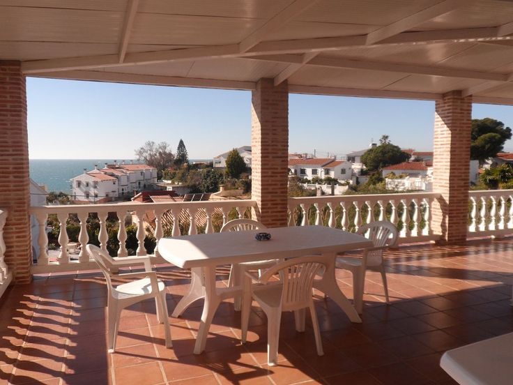 Villa Sirena - Costa del Sol, Vélez-Málaga: Holiday villa for rent. Read 1 reviews, view 15 photos, book online with traveller protection with the owner - 3266596