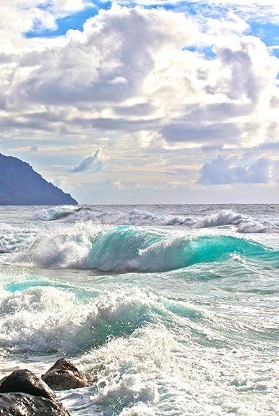 Ocean Waves at Na Pali Coast, Kauai