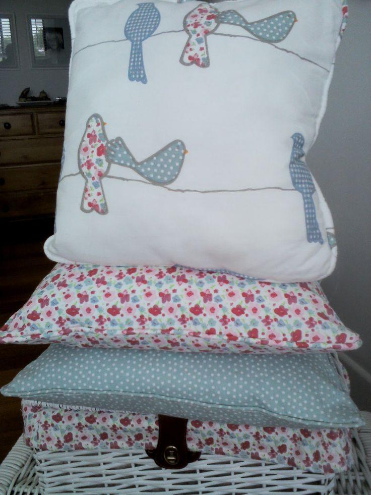 Birdie cushion set