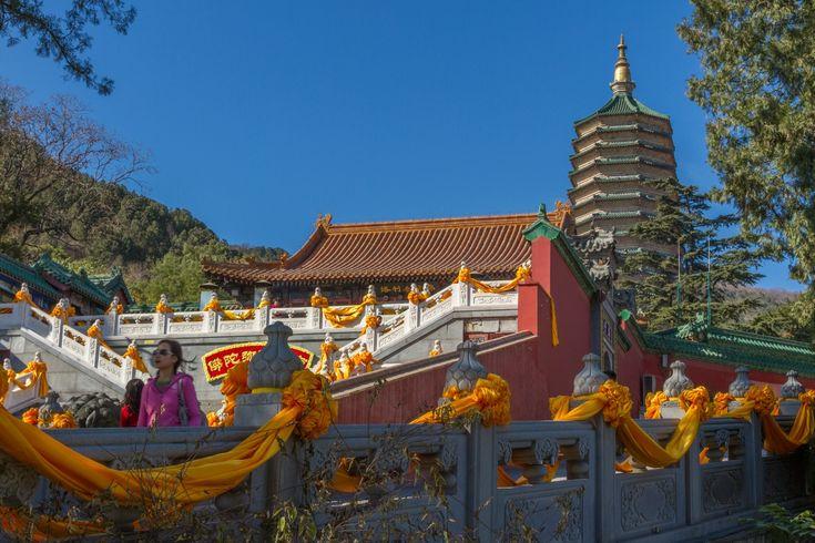Бадачу - парк в горах Сишань на западе Пекина, где расположены 8 буддийских монастырей и 20 природных мест. Здесь очень красиво и достаточно малолюдно.
