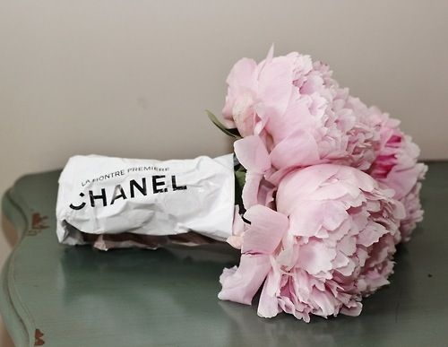 Blush peonies and Chanel... Could it get any better?