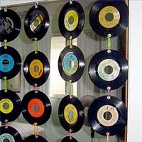 decorating with 45's vinyl records   decorating with vinyl records - group picture, image by tag ...